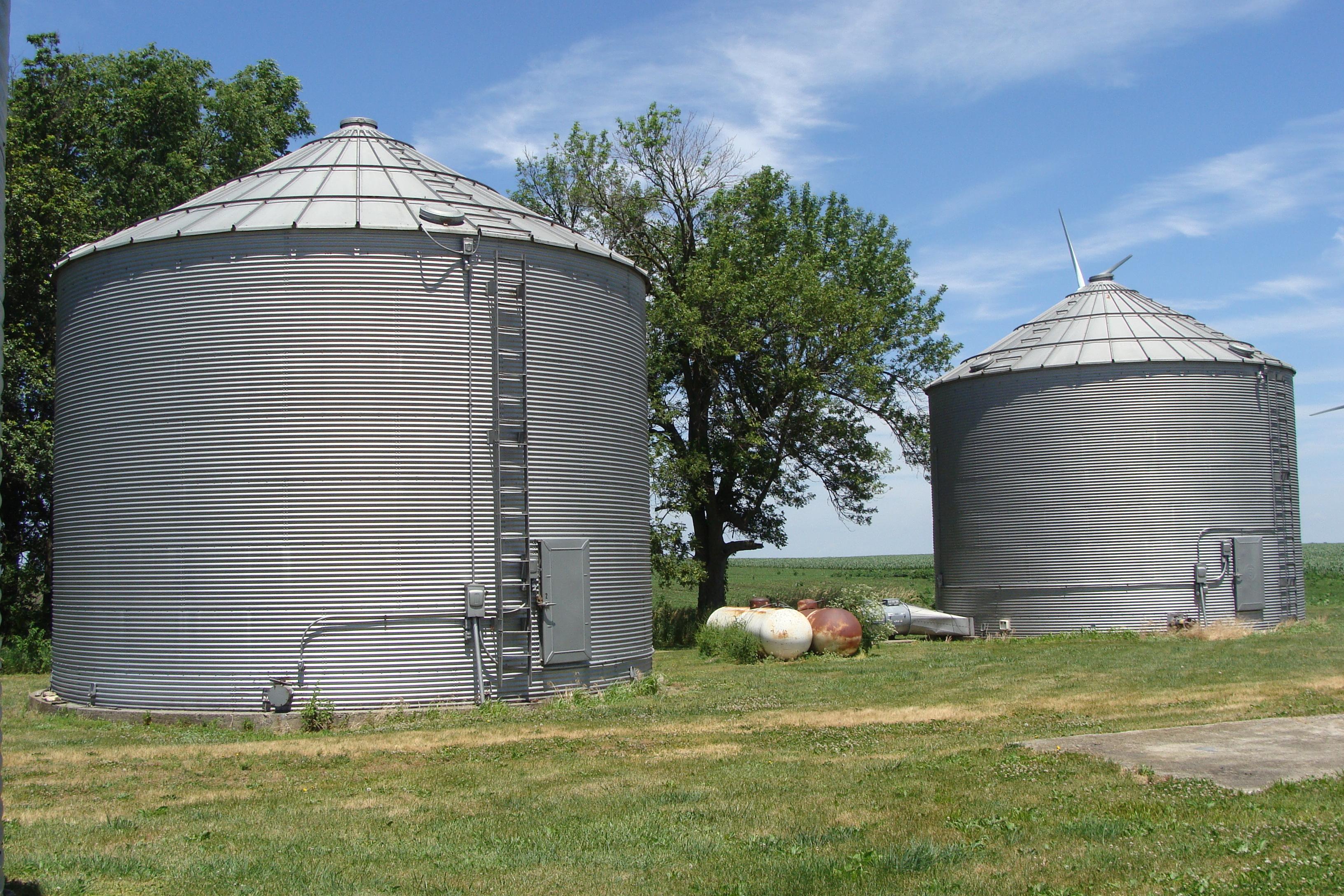 Picture of grain bins